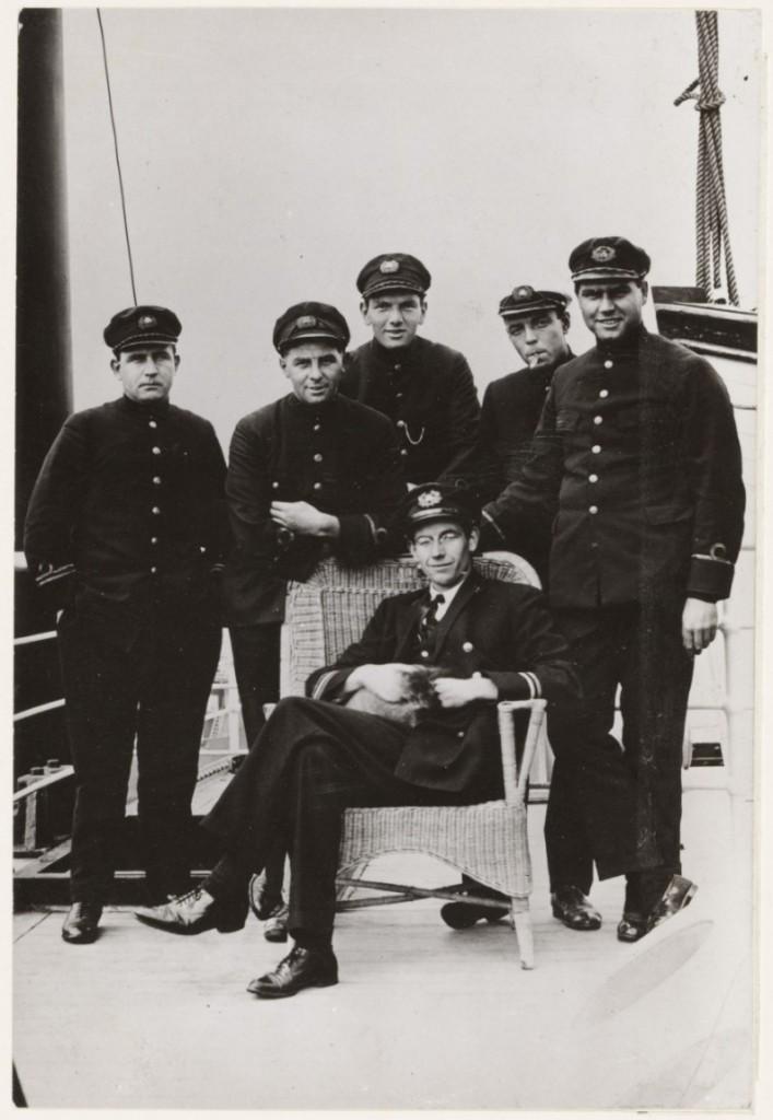 Slau en de bemanning oan board